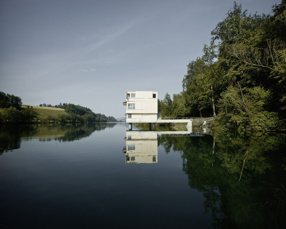 Lake Rotsee Refuge / AFGH © Valentin Jeck
