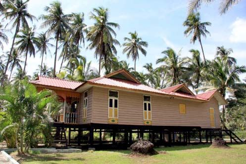 malay traditional house design amazing batam in indonesia home design - Traditional Home Design