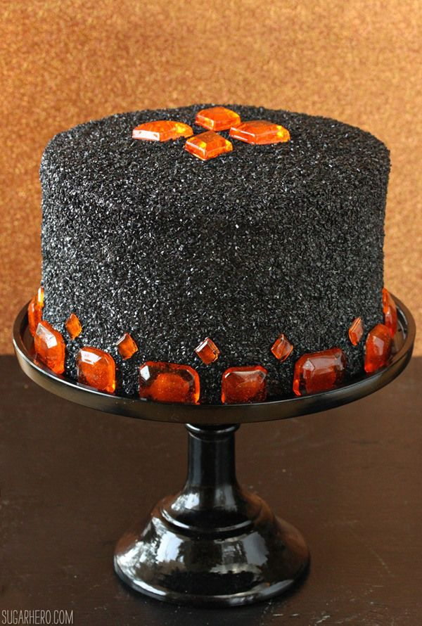 36 Deliciously Spooky Halloween Cakes Food cakes Frosting and Cake