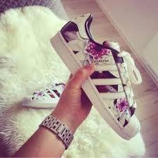 Resultado De Imagen Para Zapatillas Adidas Superstar Para Mujer Zapatos Adidas Zapatillas Adidas Superstar Zapatillas Con Estilo
