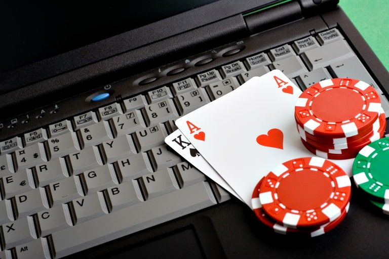 How to become good, or at least less terrible, at Texas Hold 'Em: A  novice's guide | Online gambling, Online poker, Online casino