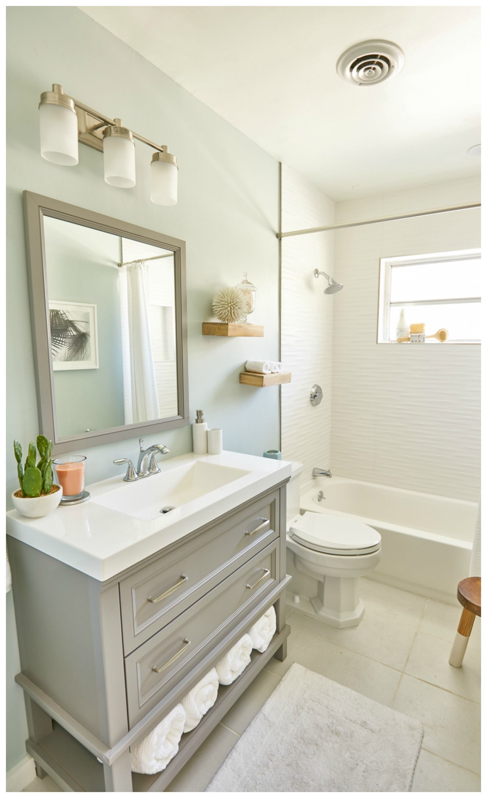 8 Ways to Make a Small Bathroom Look Bigger #smallbathroomremodel