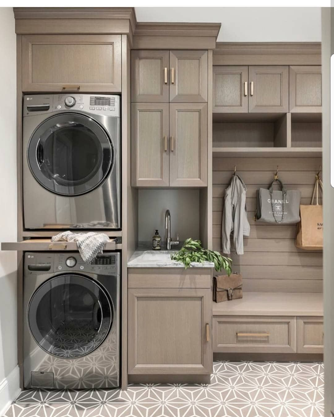 Loving This Spacious Laundry Room Via