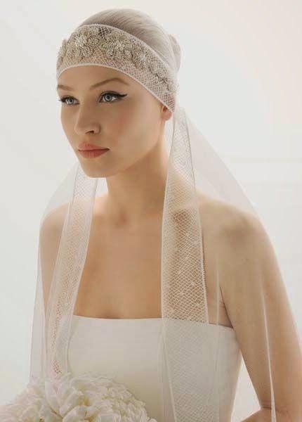 4648ff2cb9 Velos estilo pirata para novias  Aprende a ponerte el velo de moda ...