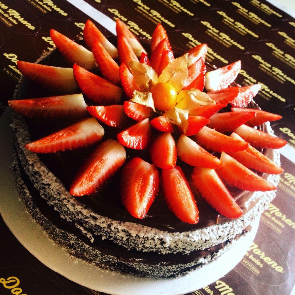 Chocolate, caramelo e morango... Como não amar isso?!