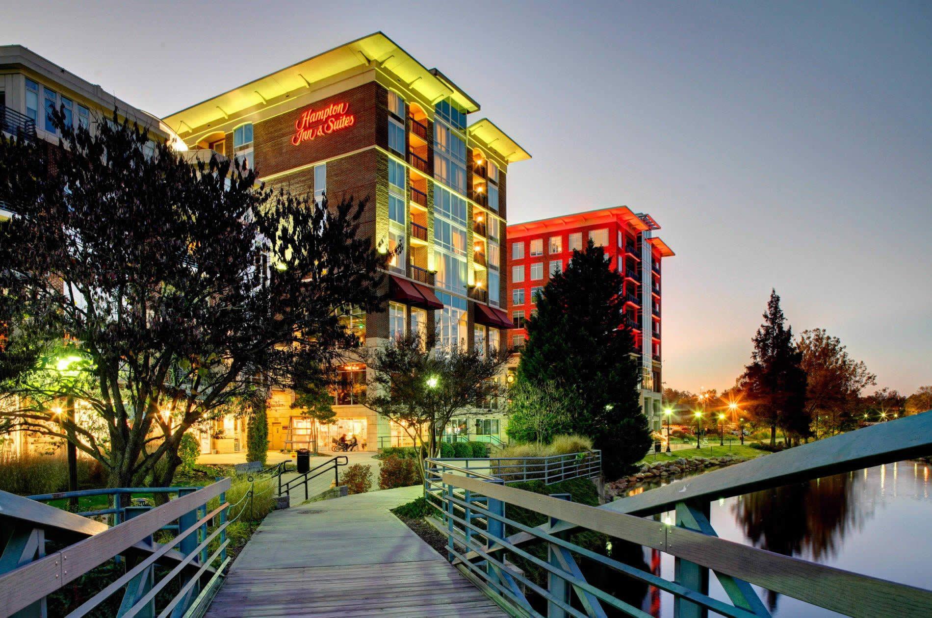 Hampton Inn Suites By Hilton Greenville Downtown Riverplace Mobile Hampton Inn Downtown Suites