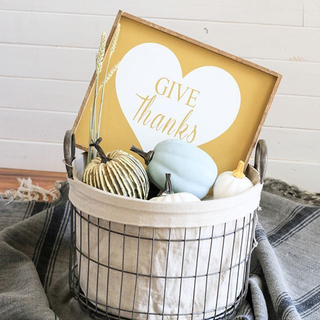 Head on into everyday with good vibes and a grateful heart #dailyinspiration #givethanks #decor