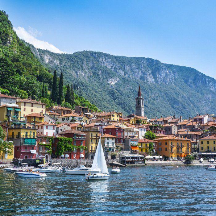 Ursprüngliche Natur, historische Villen, malerische Parks, imposante Berge und ein klarer See, der zum Baden einlädt – freu dich Ende …