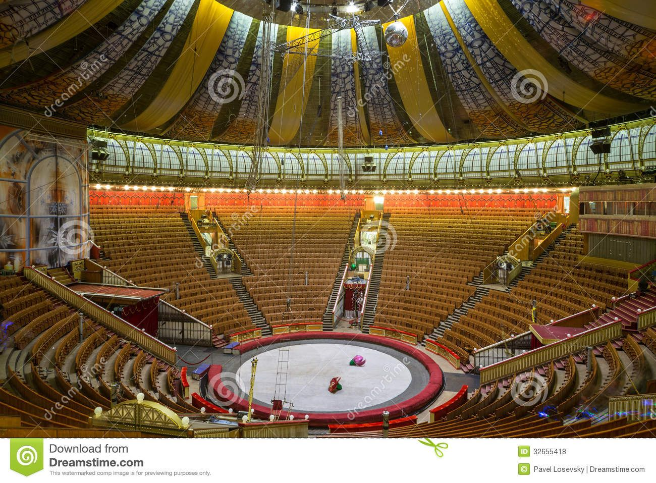 empty-hall-great-moscow-state-circus-dec-vernadsky-prospekt-december-russia-capacity-32655418.jpg (1300×957)