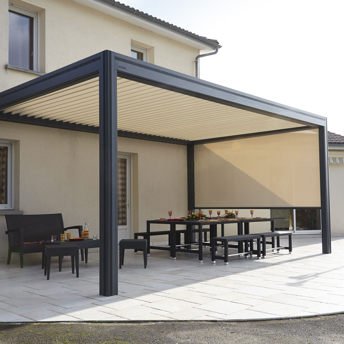 d couvrez sur cette pergola bioclimatique hardtop plus lames orientables. Black Bedroom Furniture Sets. Home Design Ideas