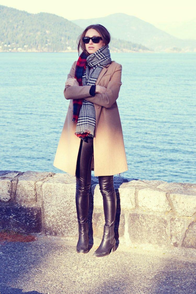 herbst lederhose damen schal outfits mantel look beige kalt 67ymYbfIvg