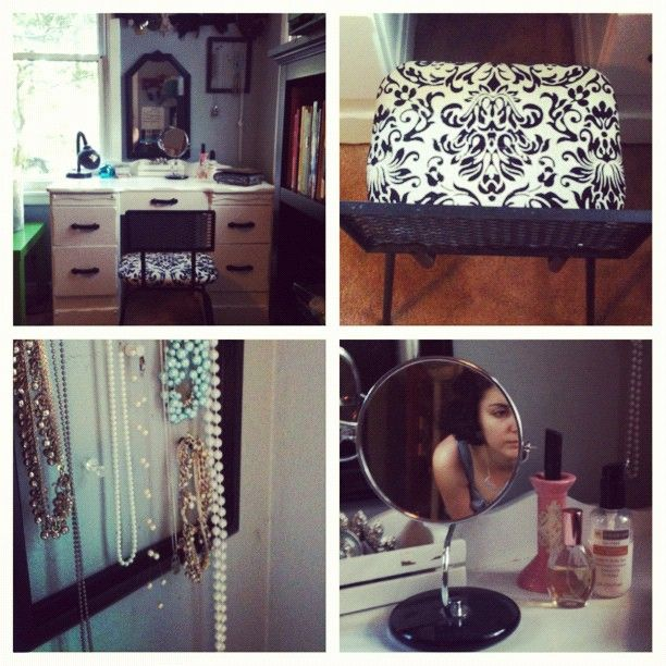 Diy Vanity Complete White Vanity 20 Craigslist Chair Vintage Store 35 Mirrors 10 Goodwill All Fo Diy Vanity Makeup Organization Diy Diy Organization