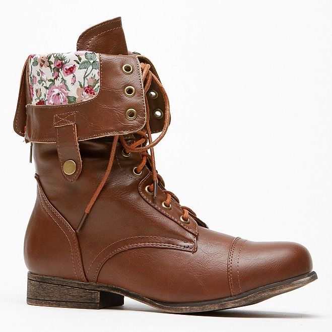 Bamboo Floral Boots Sz. 6 Color Brown Size 6 Lace