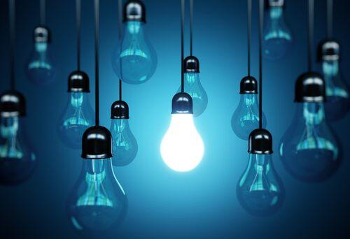 Criptomnesia Cuando Tu Cerebro Plagia Inconscientemente Las Ideas Light Bulb Light Bulbs Led Lights
