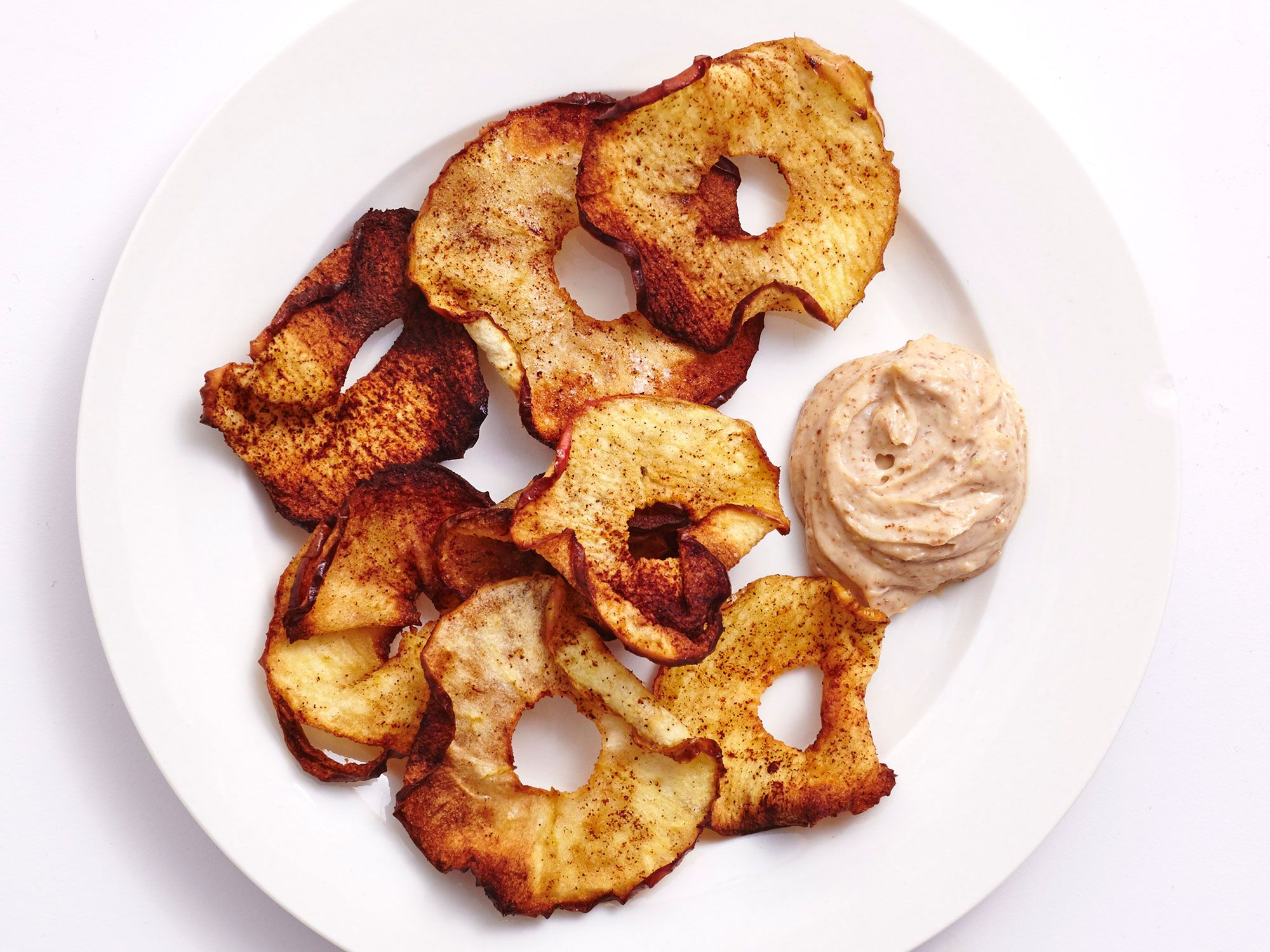 Make These Easy AirFried Cinnamon Apple Chips With Almond