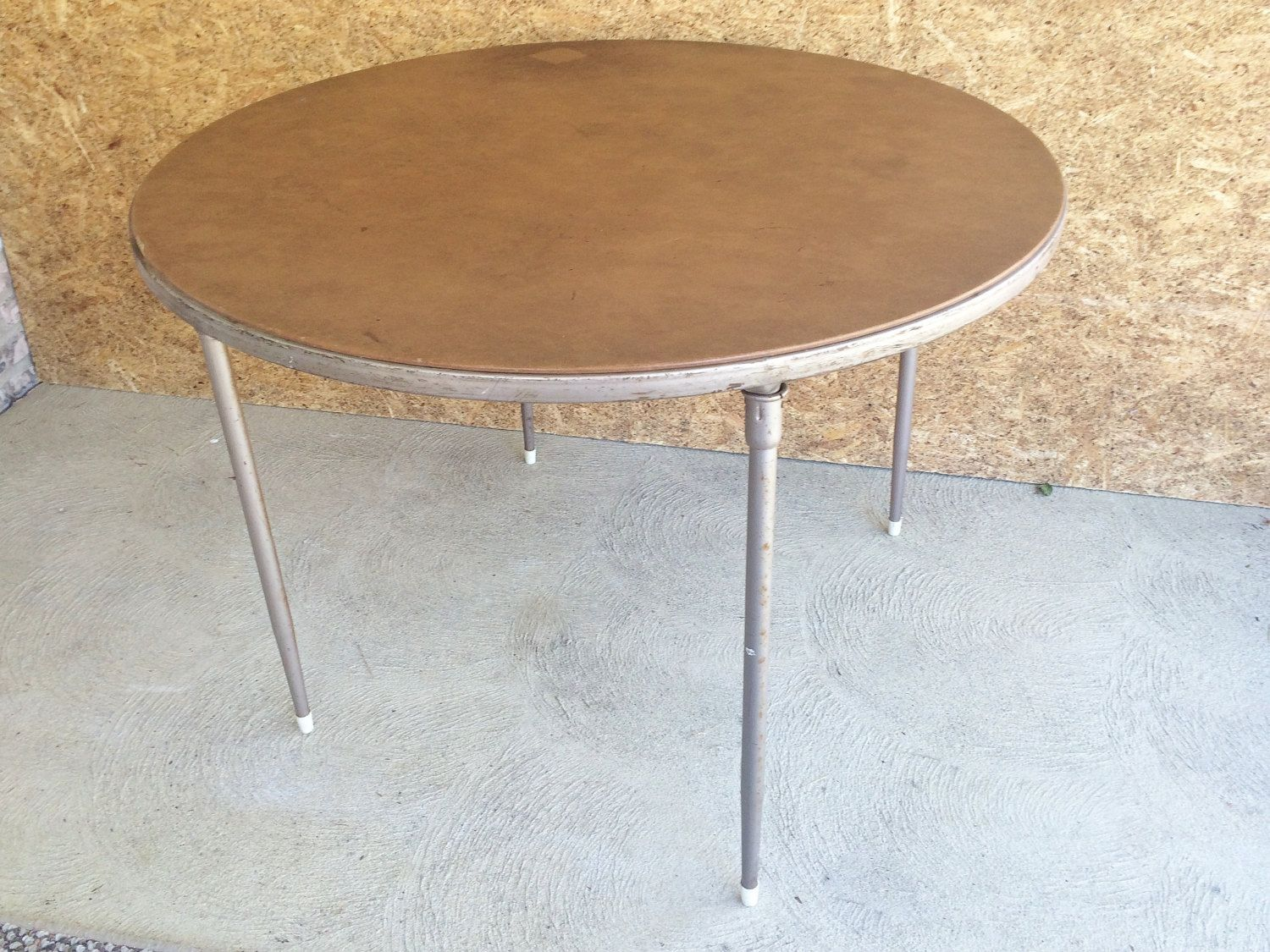 Folding Round Card Table | Tyres2c