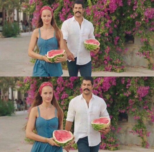 Fahriye Evcen Burak Ozcivit Ask Sana Benzer Turkish Film Actresses Cute Photography