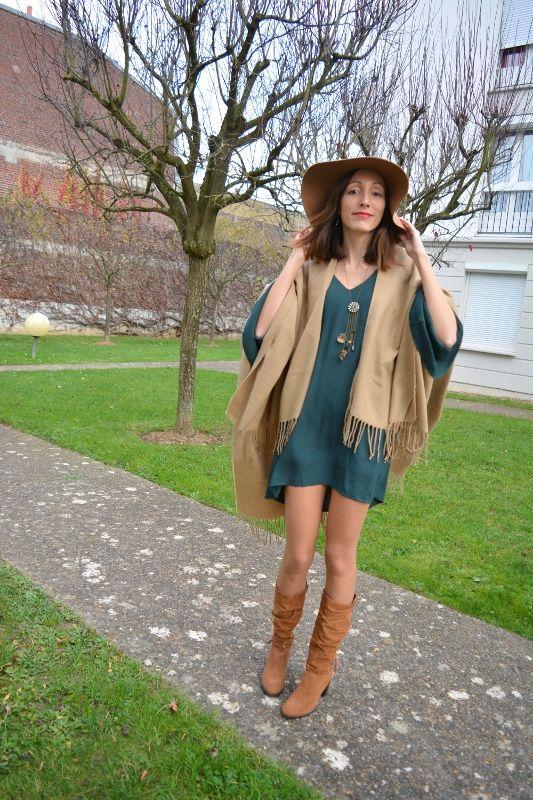 2 pocho new look franges robe verte bottes marron camel tamarisfr chapeau capeline - Tenue avec bottines marron ...