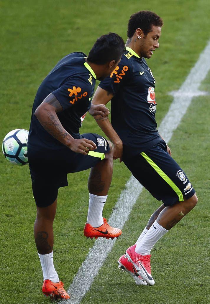 Neymar (Brazil) Nike Mercurial Vapor XI · Neymar BrazilFootball BootsStorms SoccerLoversFootball ...