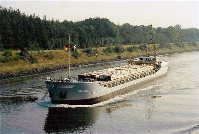 KOOPVAARDIJ archief WATUM  Gegevens en foto, klik ▼ op link  http://koopvaardij.blogspot.nl/p/koopvaardij-archief.html