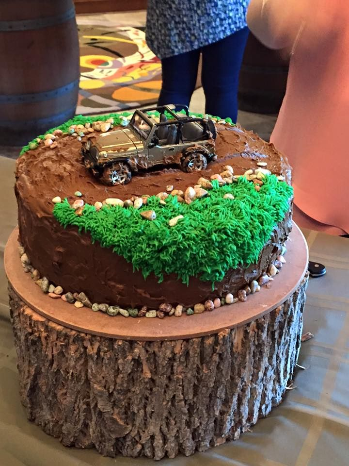 Pin By Theresa Martens On Any Occasion Cakes 40th Birthday Cakes Jeep Cake Dessert Decoration