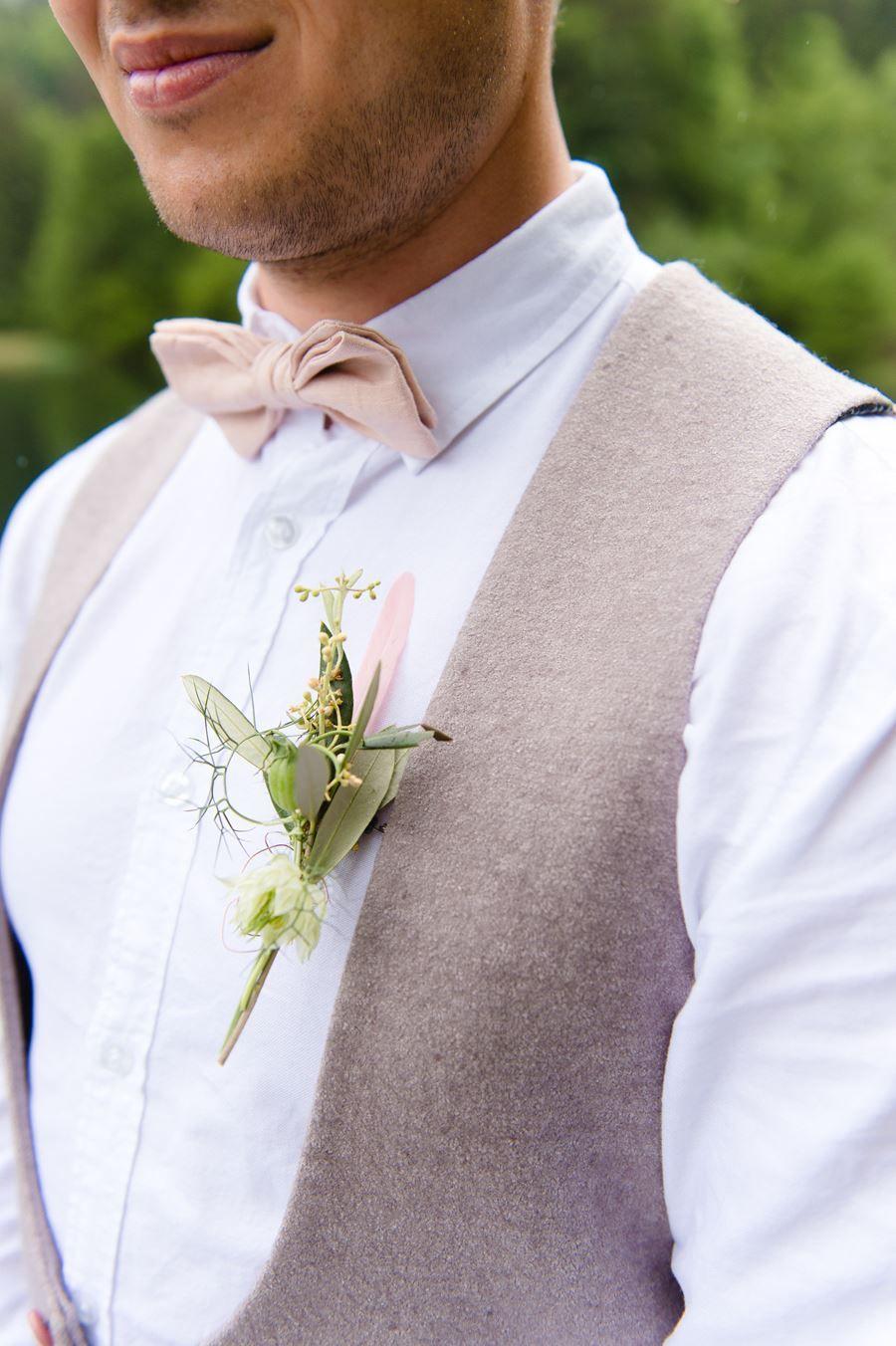 Weste Und Fliege In Rosa Brautigam Rosa Brautpaar Fotos Rosa Anzug