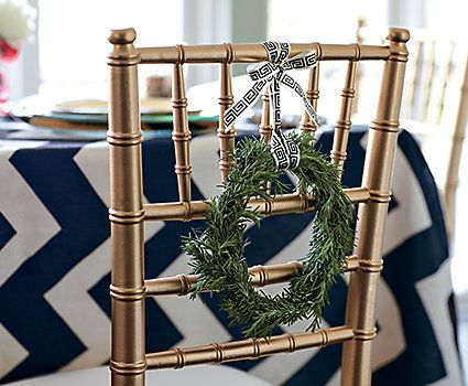 Wreath On Dining Room Chairs Holiday Room Holiday Tables Small Wreaths