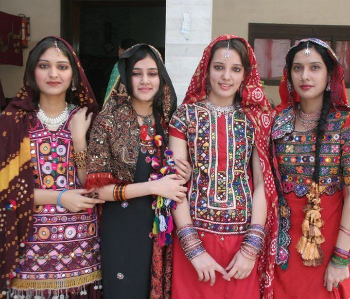 Sindhi cultural dress | Beautiful people from around the ...