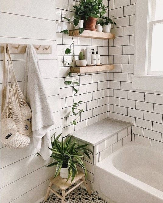 Any Pinterest Lovers Out There This Photo Would Totally Go On Our Dreamiest Bathrooms Of Modern Small Bathrooms Small Bathroom Decor Modern Vintage Bathroom