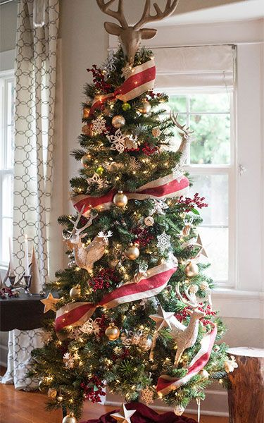 Upgrade Your Christmas Tree Game With These Decorating Ideas Creative Christmas Trees Cool Christmas Trees Michaels Christmas Trees