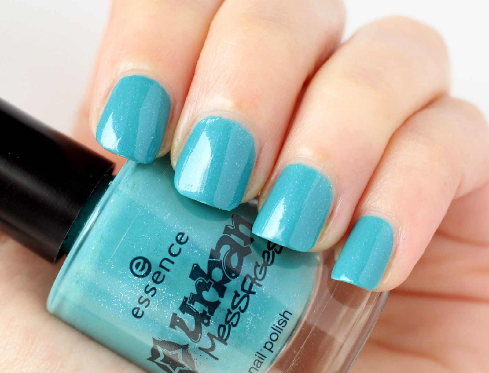Blue Turquoise Nails (Street Styler, Essence) by DoBeauting!