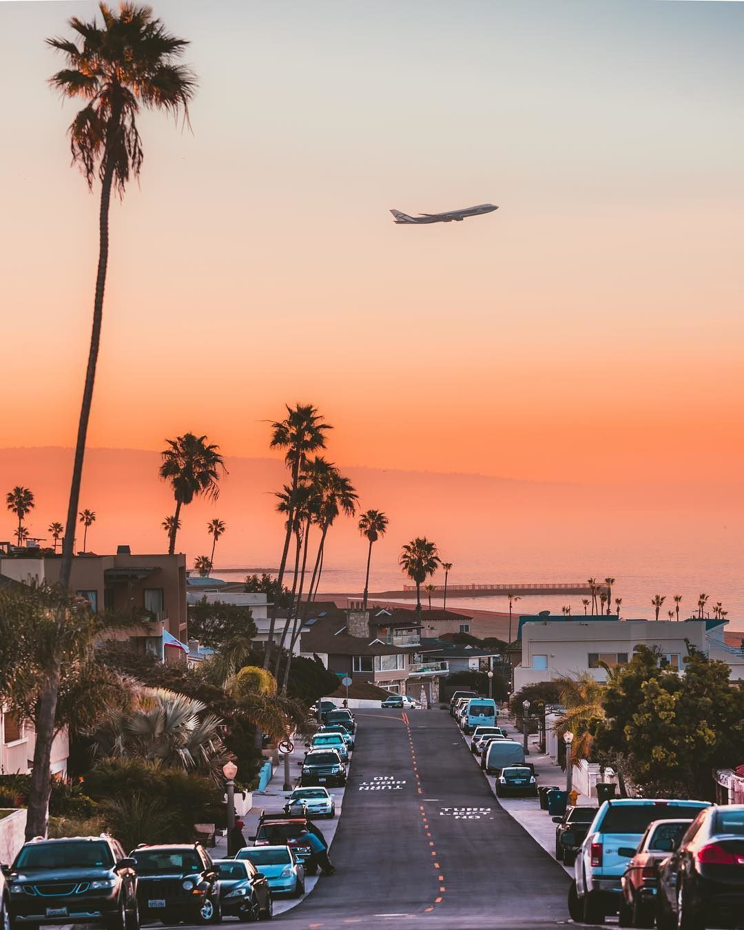 Discover Los Angeles On Instagram Kylemunson Hop Off A Plane At Lax And Enjoy Springbreak In La Los Angeles Wallpaper Los Angeles California Travel