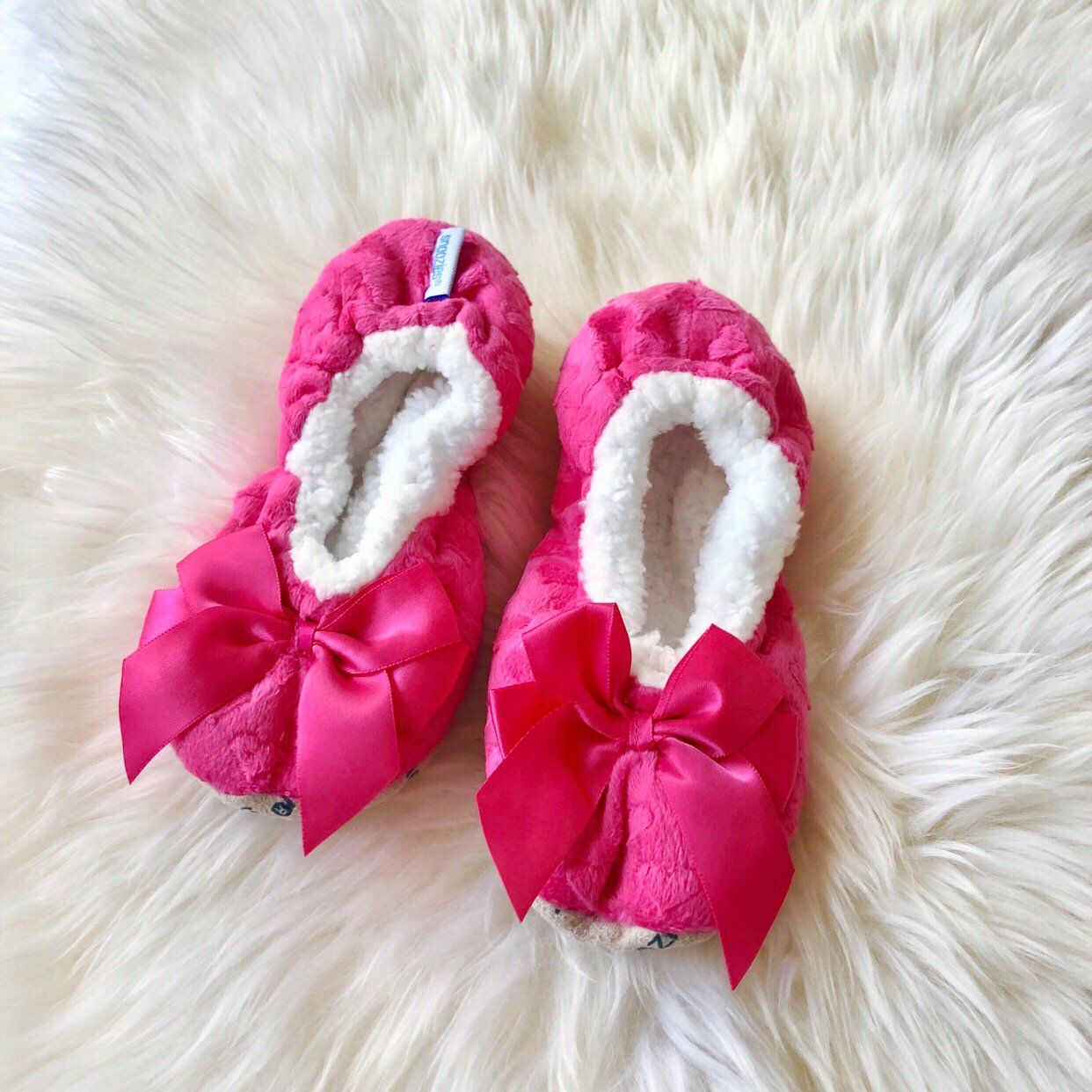 43a2486837f Kids Bow Snoozies! Slippers - Magenta Pink in 2019