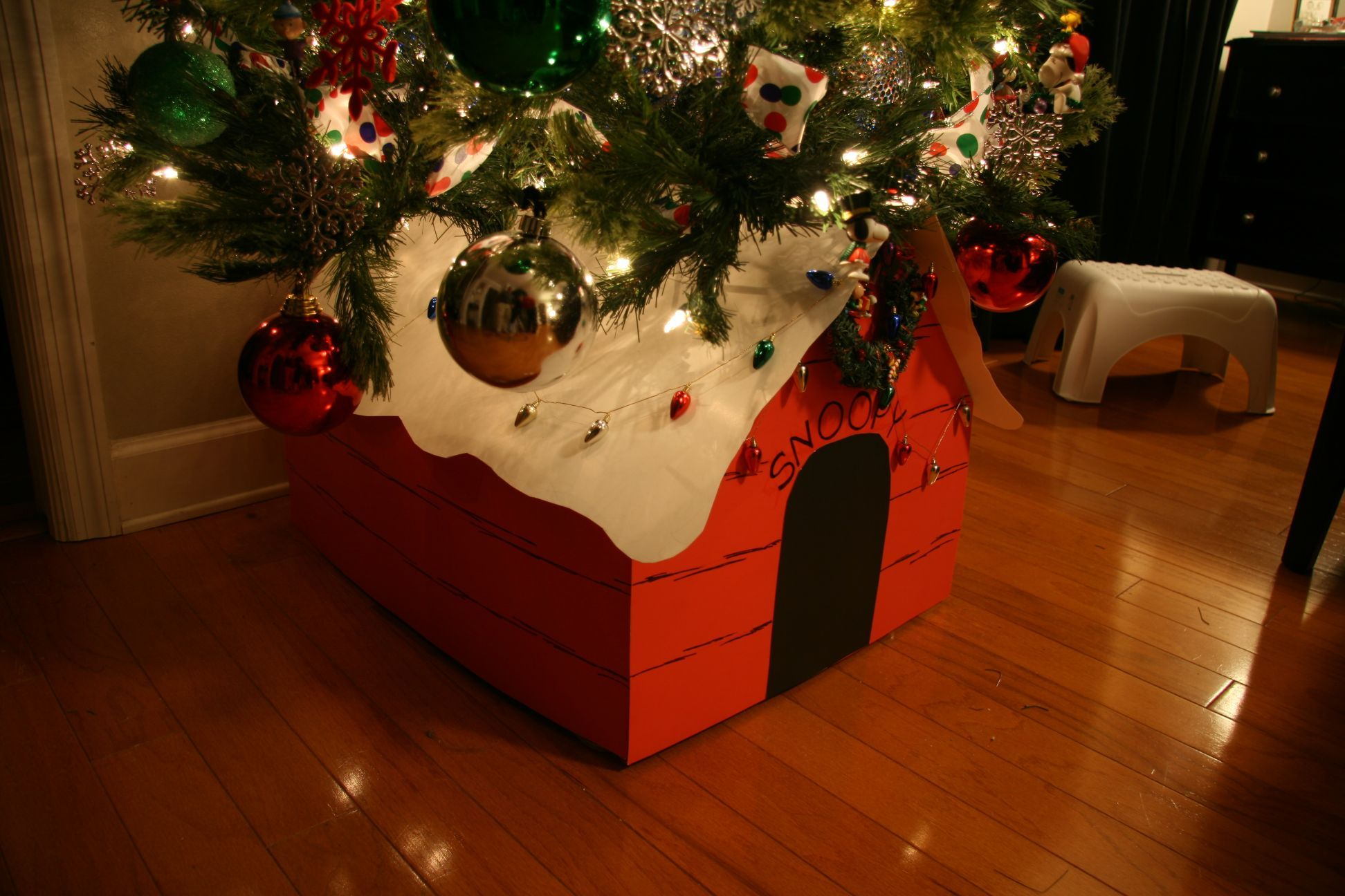 snoopy dog house tree stand christmas house trees