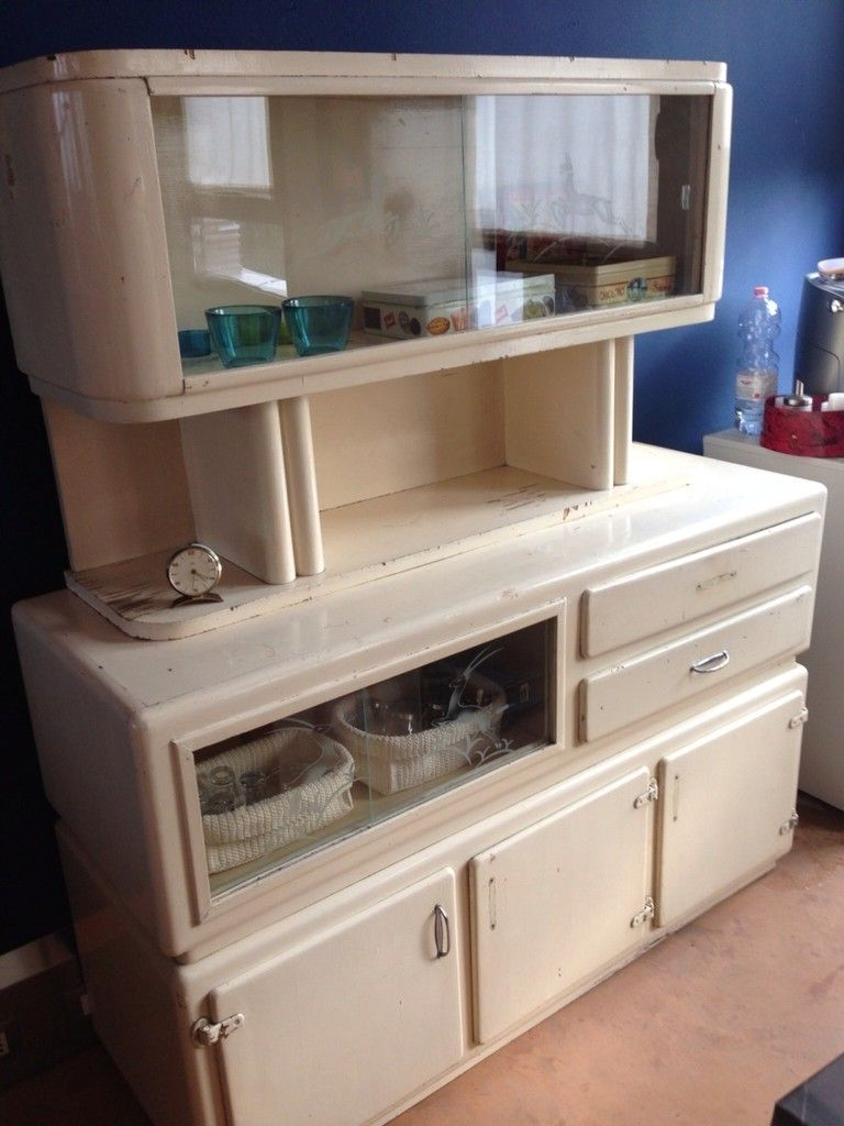 old kitchen furniture. #vintage #old #sideboard #madia #dispensa #mettitutto #50s #anni Old Kitchen Furniture D