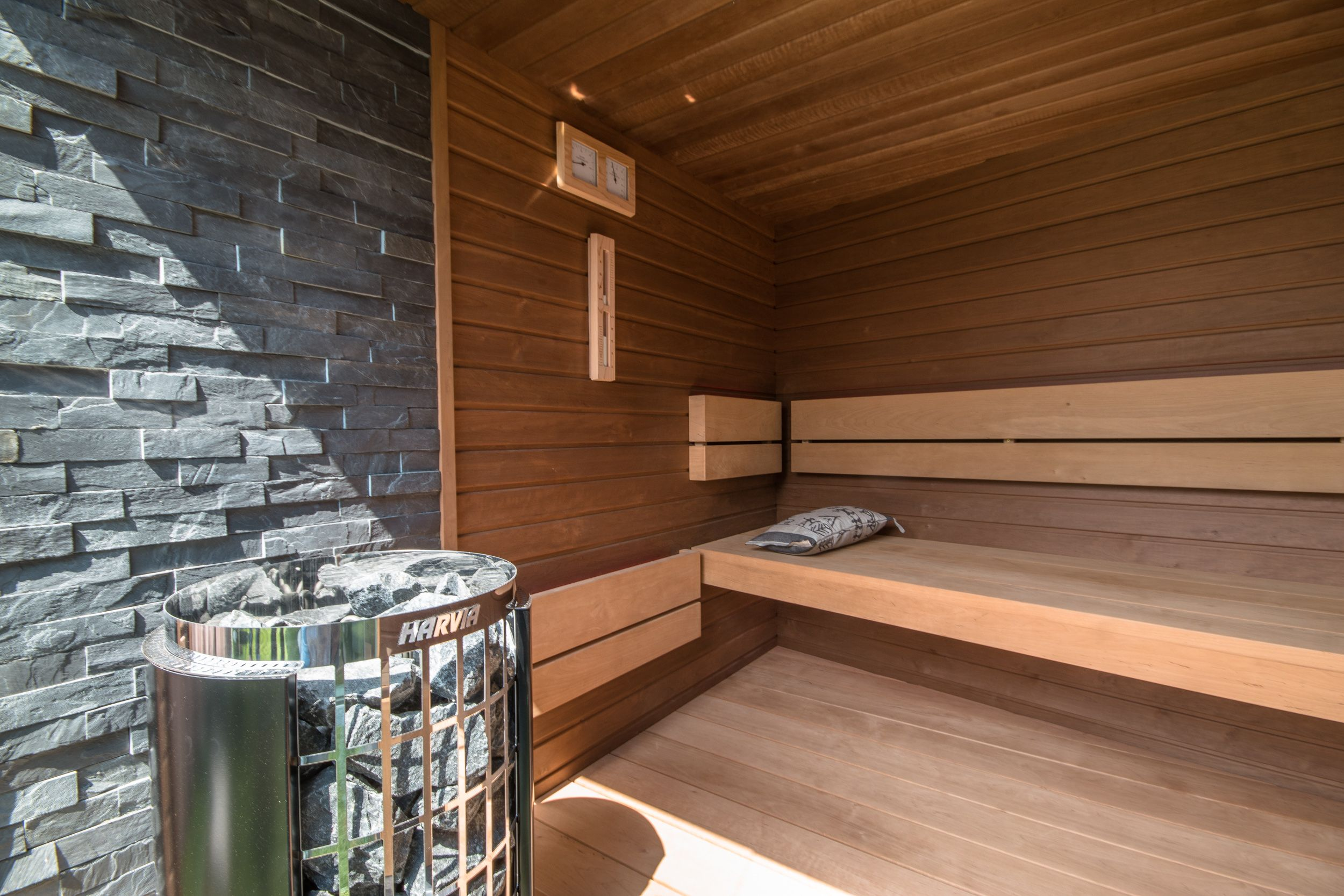 outdoor sauna gartensauna nach ma f r kunden geplant sauna harvia ofen steuerung. Black Bedroom Furniture Sets. Home Design Ideas