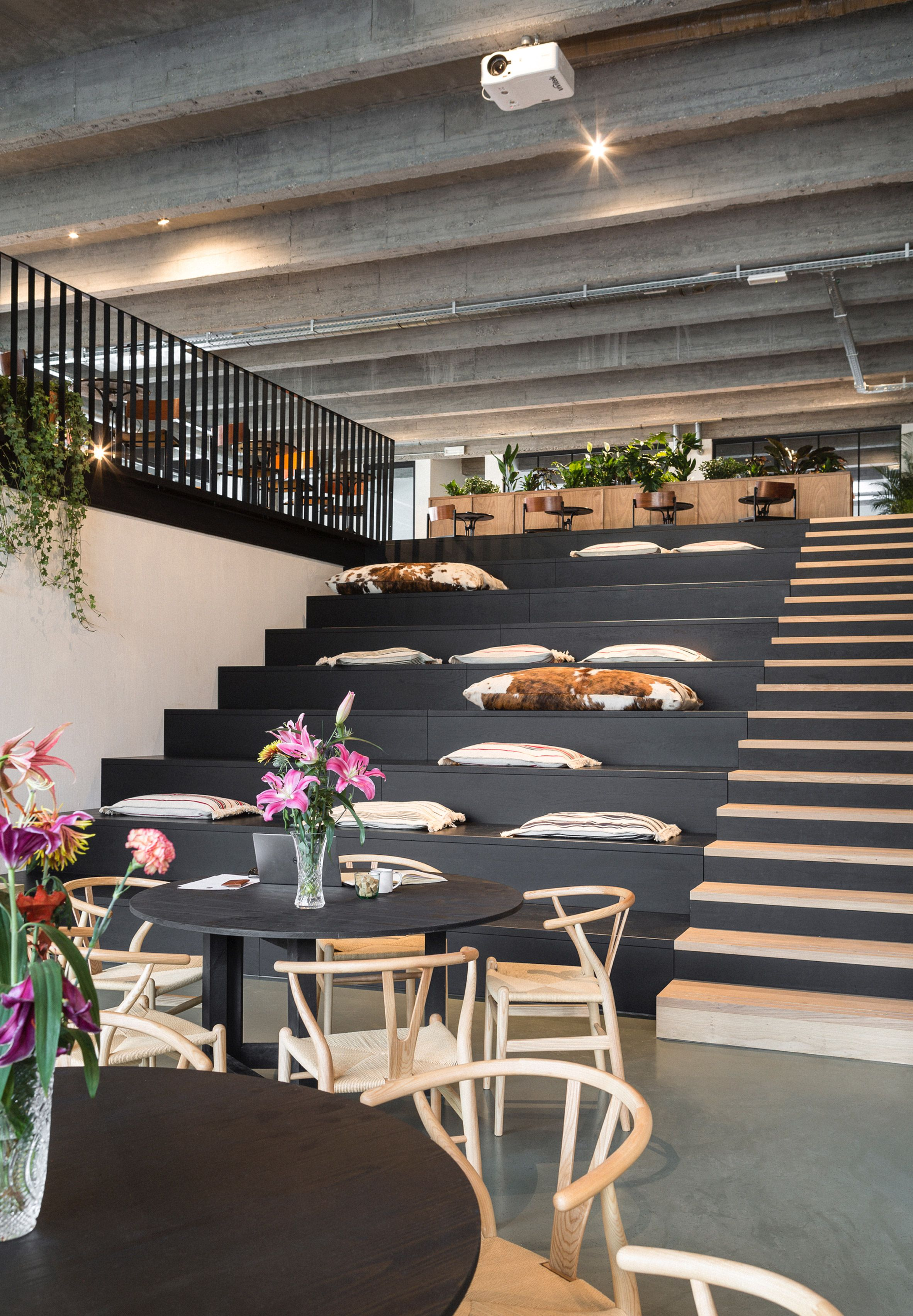 Antwerp co-working space encourages occupants to explore its spaces ...