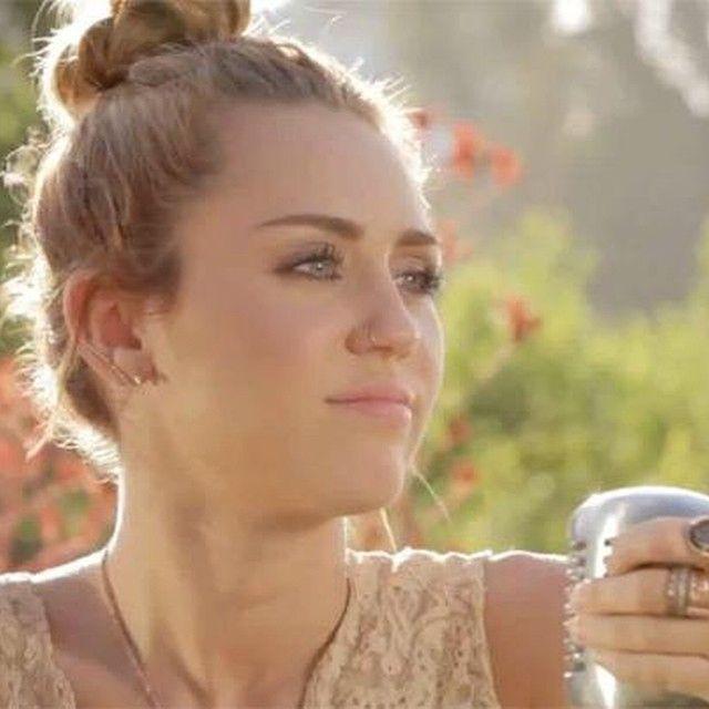 Jolene Backyard Sessions: Miley Cyrus - 'Jolene'