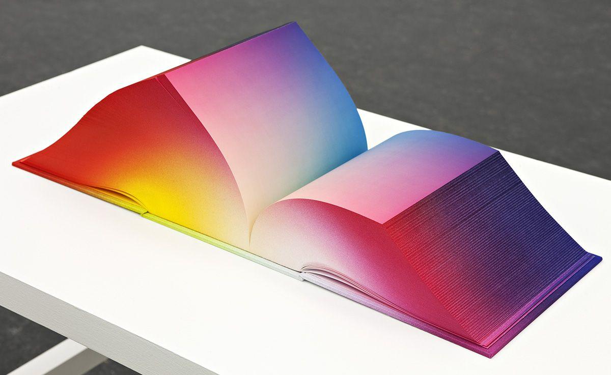RGB Colorspace, un libro que contiene todos los colores del mundo > Choosa.net