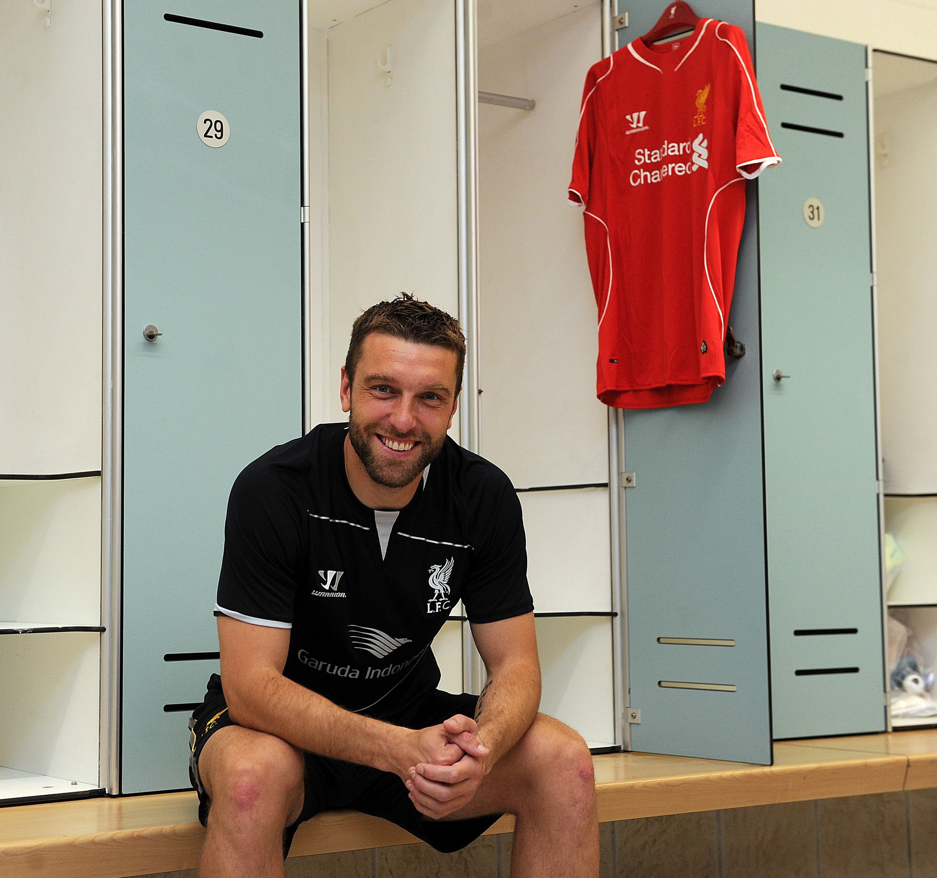 The 32-year-old striker signs for the Reds from Southampton