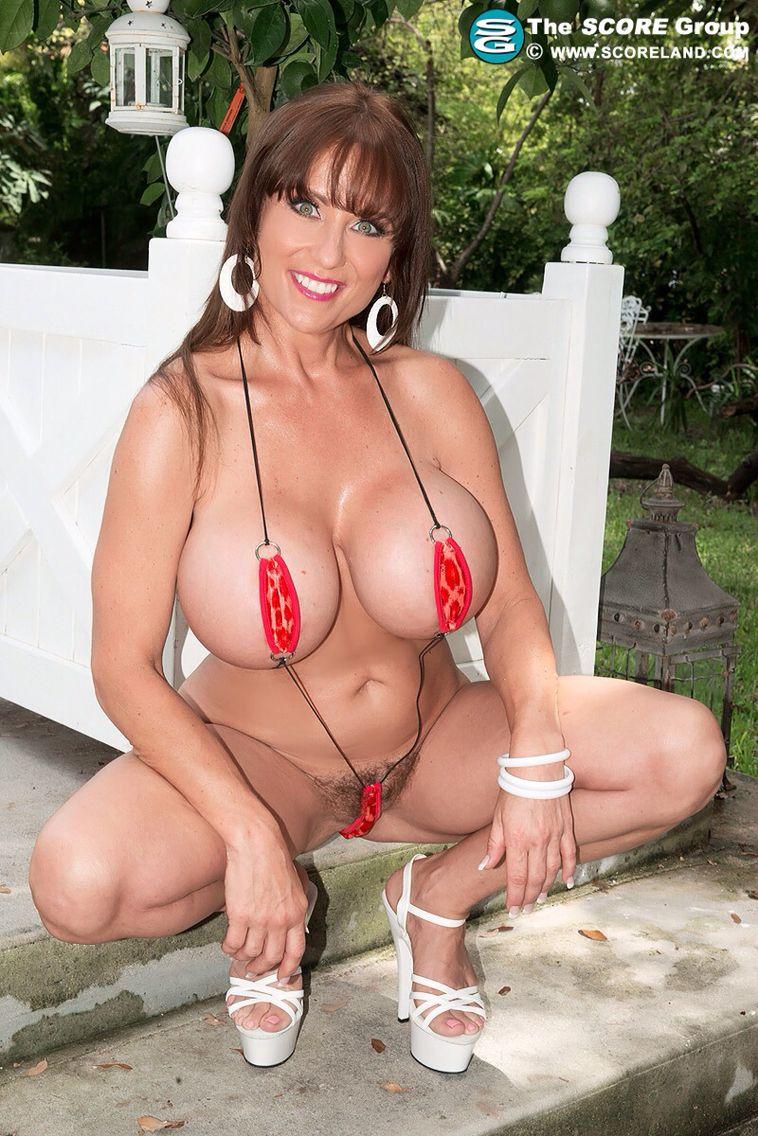 beautiful big mama naked