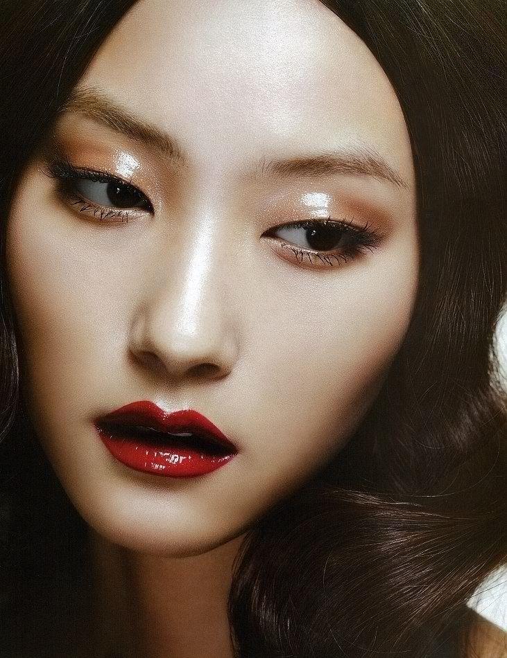 Asian Model, Dewy Dark Red Lips for Editorial Shoot Luscious - küche weiß matt