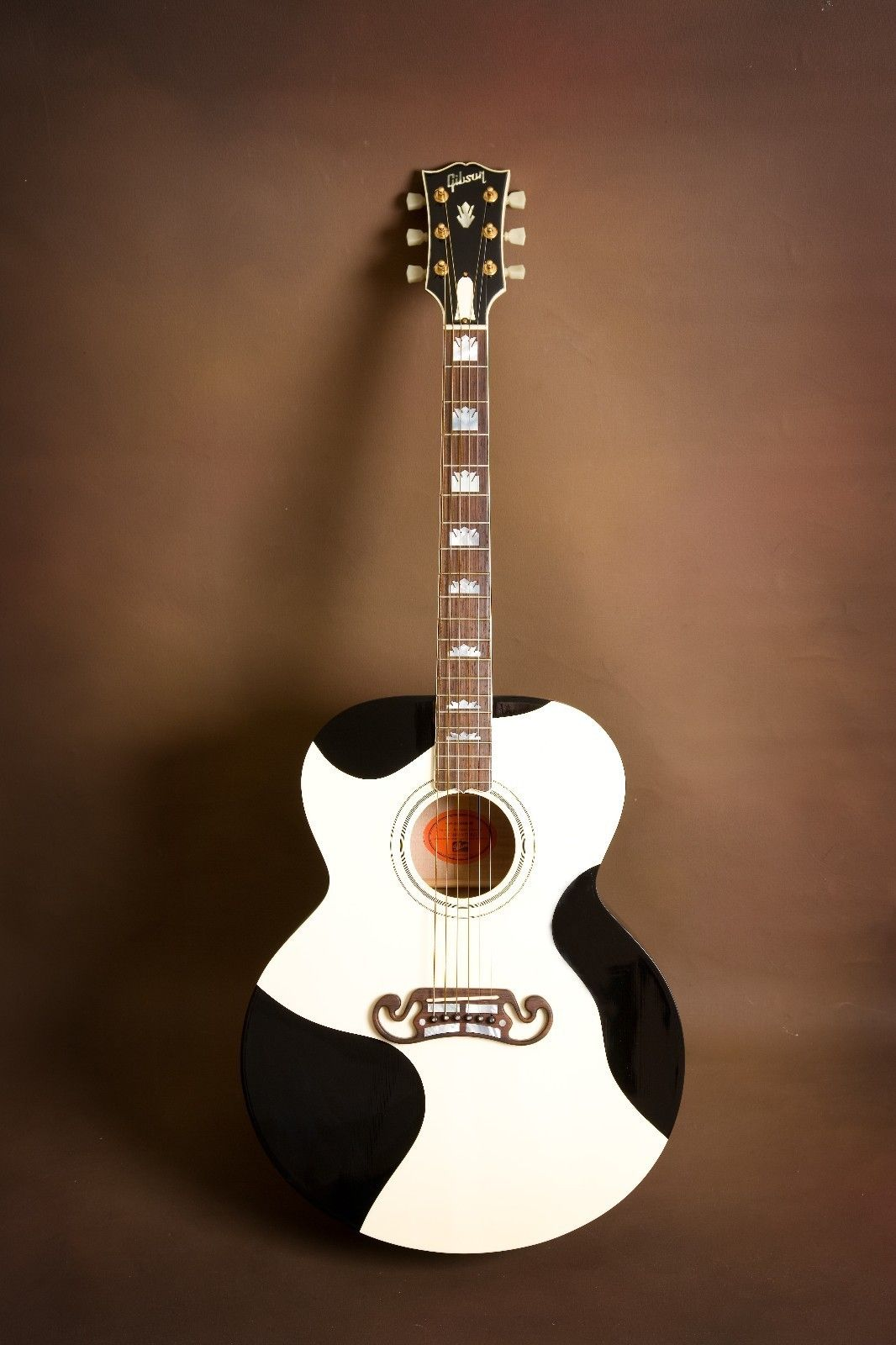 Gibson J Moohundred One Of A Kind Custom Acoustic Guitar J 200 Sj 200 Custom Acoustic Guitars Guitar Acoustic Guitar