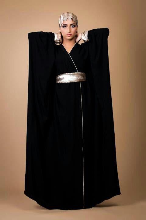 Pin By Daisy Dewayanti On Abayas Bishts Caftans Jalabiyas Moroccan Fashion Islamic Fashion Beautiful Dresses