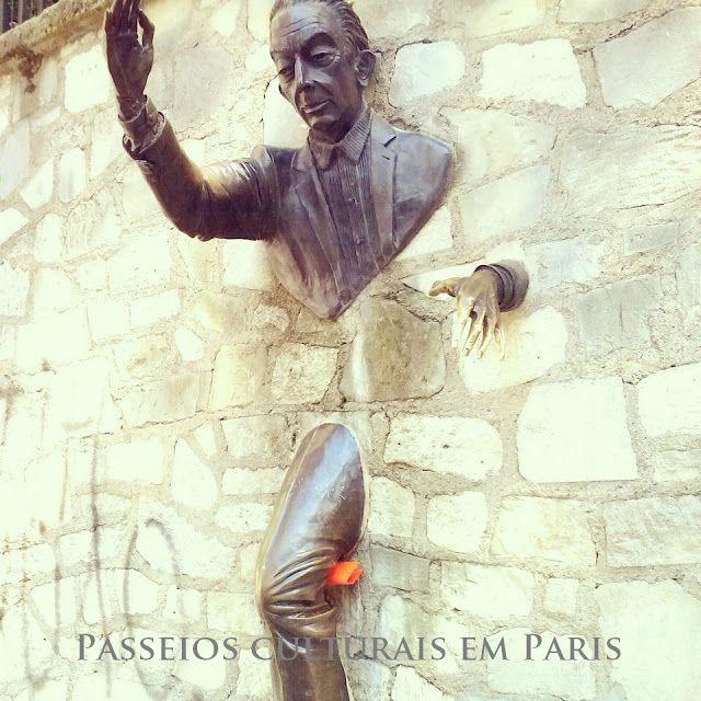 Passeios Culturais em Paris: O Atravessa-Muros