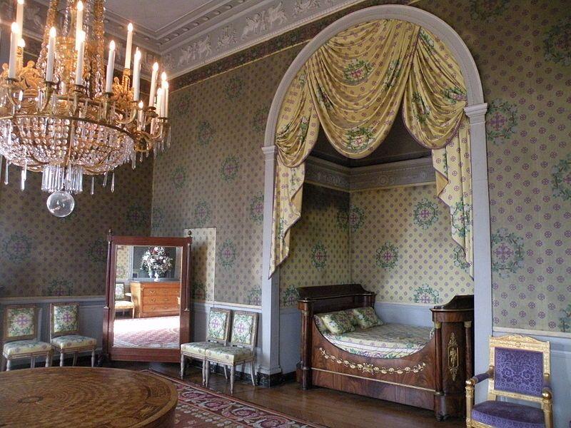 Chateau De Maisons Laffitte Chambre Du Marechal Lannes 01 Jpg Maison Interieur De Luxe Belle Maison