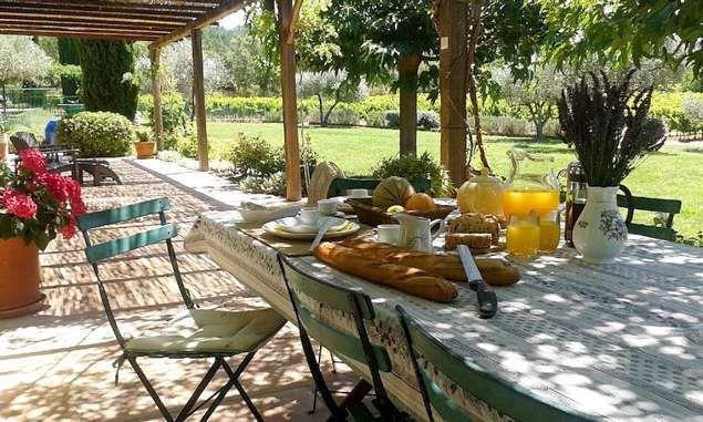 Tavoli Da Giardino Stile Provenzale.Come Arredare La Veranda In Stile Provenzale Nel 2019