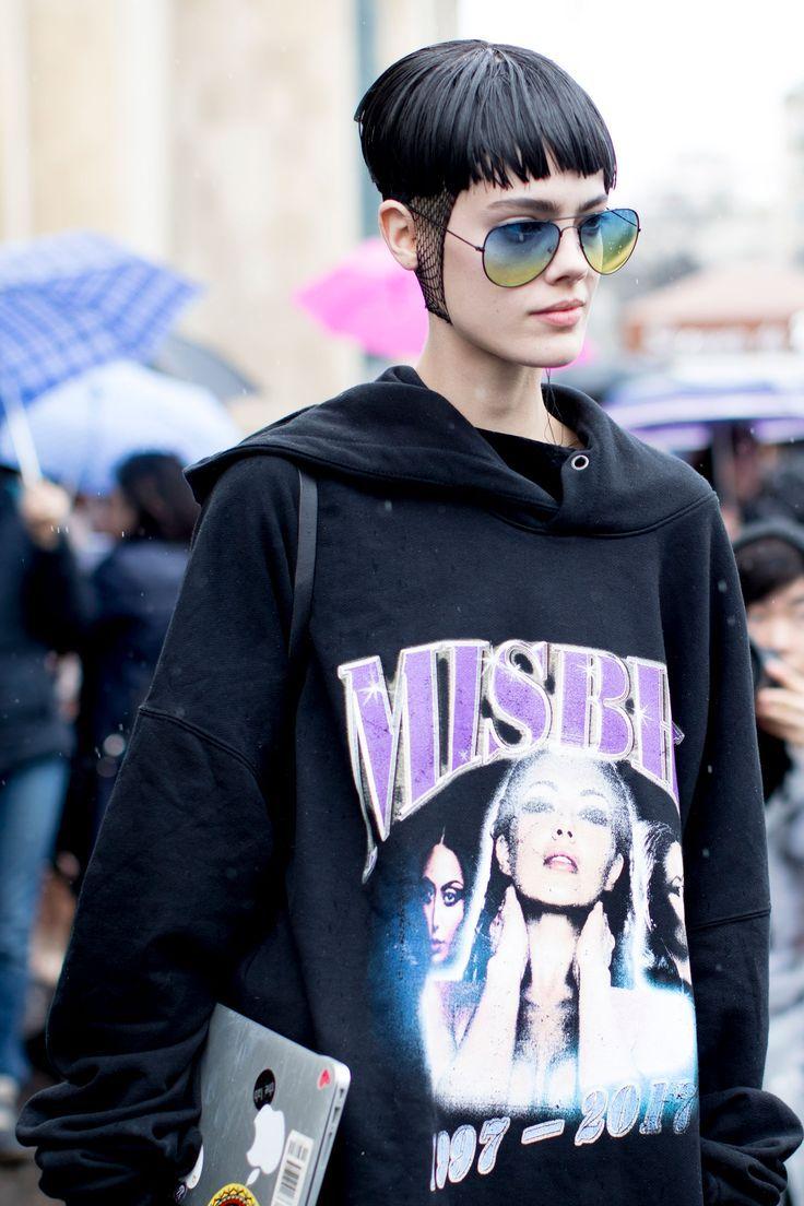 Models Off Duty: Paris Fashion Week AW17... - Street Style