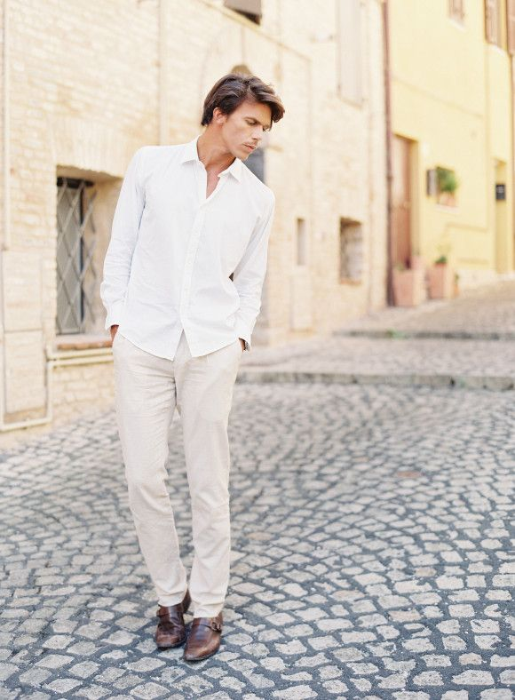 Destination Engagement Session in Italy - engagement session outfit inspiration | Wedding Sparrow | Michael and Carina Photography #engagementsession