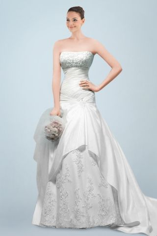 Fancy Strapless A-line Bridal Gown Featuring Beaded Appliques and Side-draped